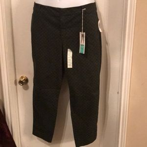 Old Navy dark green polka-dot pixie pants, Size 18